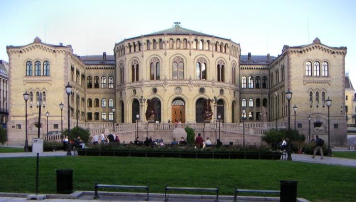 Stortinget Norway-wikimedia-commons