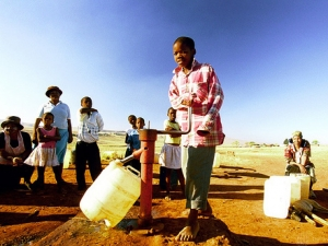 RuralwaterpumpnearUlundi.SouthAfrica.PhotoTrevorSamson-WorldBank400x300-size470x1200quality75